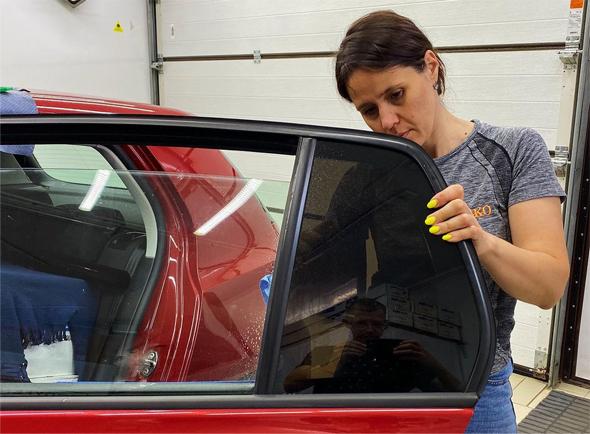 Инструменты, которые понадобятся для тонировки автомобиля