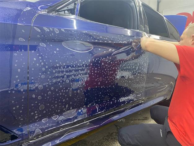 Как подготовить автомобиль к оклейке пленкой