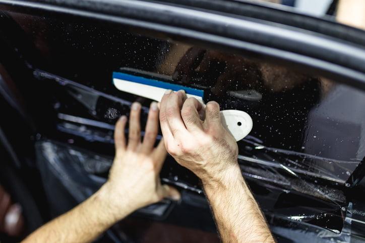 Почему лучше одновременно учиться тонированию и ремонту сколов?