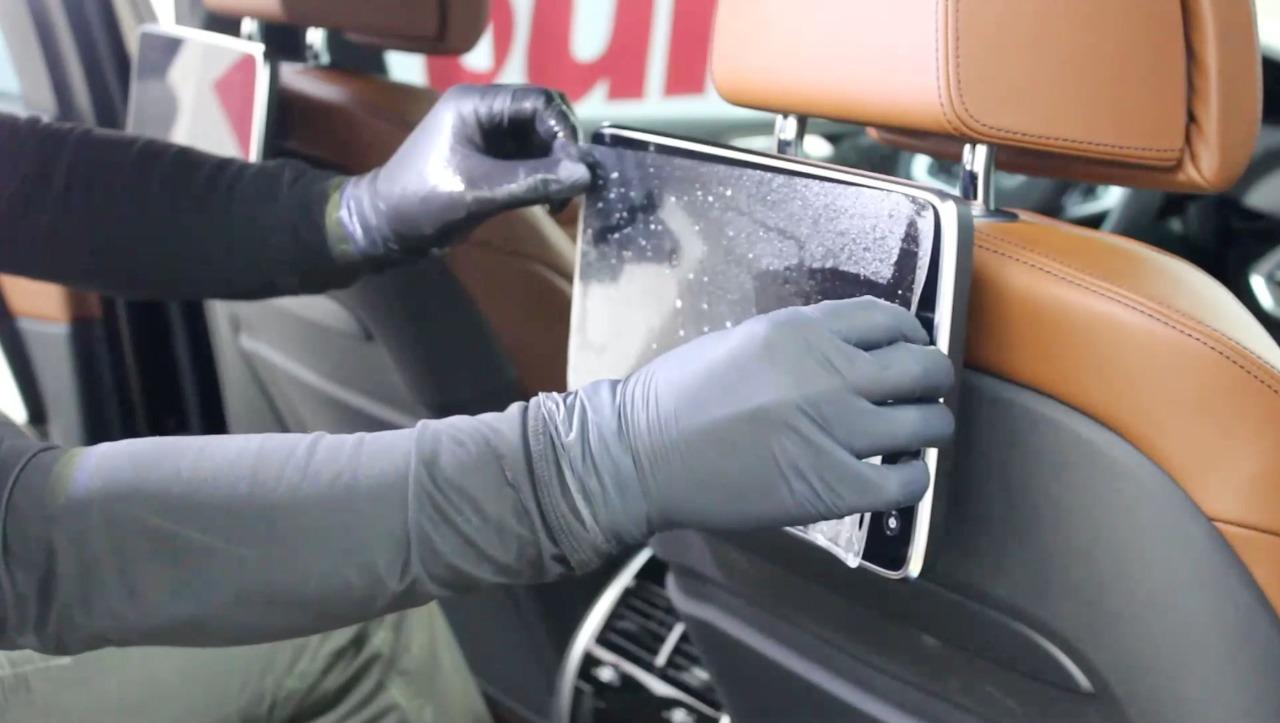 Защита салона автомобиля пленкой: как это делают?