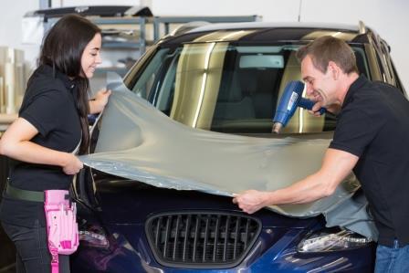 Самостоятельно оклеить авто пленкой - качественно и без проблем